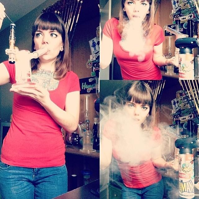 ♡☮ @ladydabbs710 ☮♡ Featured Model on TheMarijuanaModels.com ❀ #MarijuanaModels❀