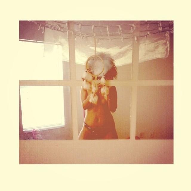 ♡☮ [@_lunita] Featured Model on TheMarijuanaModels.com