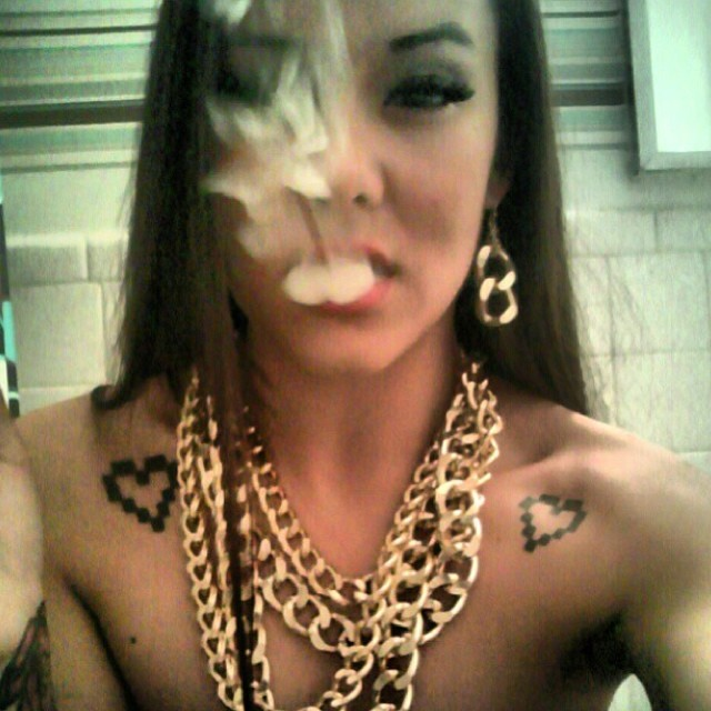 ♡☮ [@goddess_sunshine] Featured Model on TheMarijuanaModels.com →BIG NEWS! Our cannabis social network @KUSHCommon is now available for Apple and Android!!!!