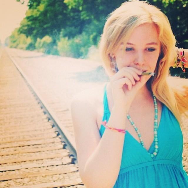 ♡☮ @misshightimes2012 ☮♡ Featured Model on TheMarijuanaModels.com ❀Tag→