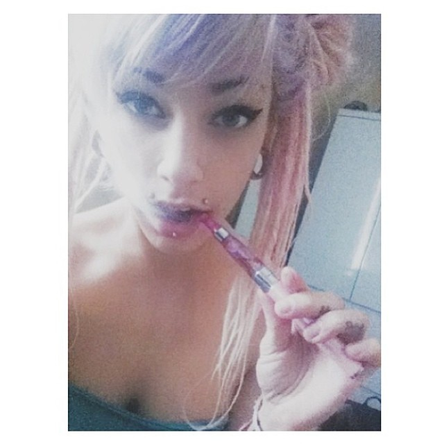♡☮ [@theminadoll] Featured Model on TheMarijuanaModels.com →BIG NEWS! Our social network @KUSHCommon is now available for Apple and Android!!!!