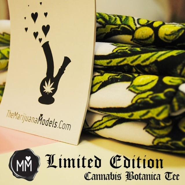 ¡uoıʇıpǝ pǝʇıɯıן Men's and Women's sizes BUT only a few left! Restock or Reprint! Includes FREE sticker pack  ⓁⒾⓃⓀ ⒾⓃ ⒷⒾⓄ