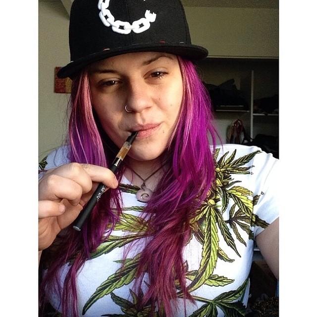 My dear @bizzeizze  so low  enjoying her @cbdproducts Hemp Vap and our full print cannabis tee