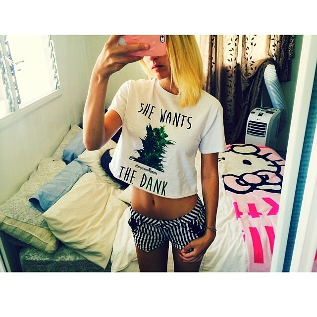 Ft model @_moiiiiiboiiiii rockin that She Wants the Dank! ◡̈ ♡ Tees, tanks, and crops available in our shop! ⓁⒾⓃⓀ ⒾⓃ ⒷⒾⓄ !