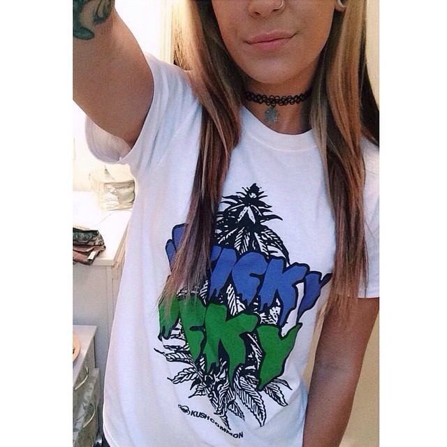 I spy a bby blue weed leaf choker & Sticky Icky tee!! Love this girly! Ft Model @deanna_hnilica Like our gear?? Check it all out at .::shop.kushcommon.com::. COMING SOON: reps!