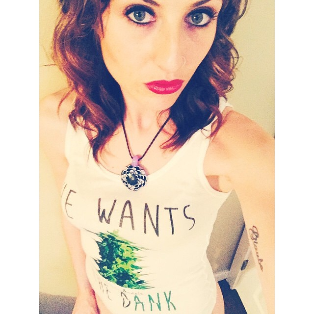Ft Model @xo.allielizabeth.xo in her She Wants the Dank tank ️️️️️️️️️️️ Should we make She Wants the Dank stickers too?? ️Check out all our tees and tanks at shop.kushcommon.com