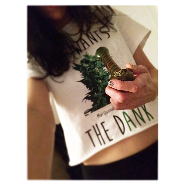 I spy another SHE WANTS THE Dank top Ft Model @goldie_5535_ ️️️️️️️️️️️ .::SHOP.KUSHCOMMON.COM::.