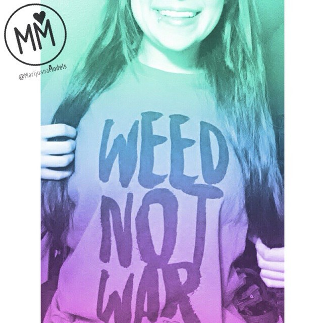 "@lizzsmellsliketeenspirit proudly rocking her ""Weed not War"" tee These green tees have been ️sold out️ since the holidays but we'll be bringing them back in the next two weeks for a limited run!️ ❀Apparel→ shop.kushcommon.com ◡̈ ∞"
