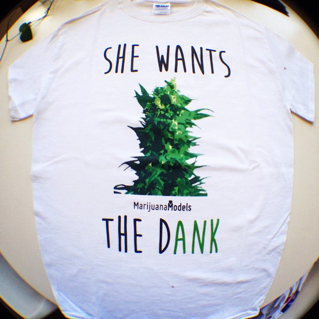 Check out our shop! ️SHOP.KUSHCOMMON.COM ️Time for some She Wants the Dank slaps?? ️Reprint this tee/crop top design??