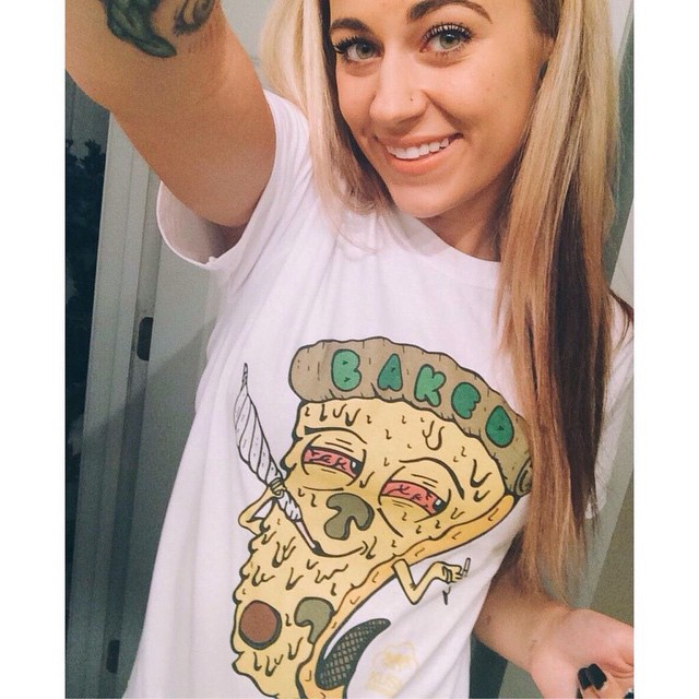 Ft Model @deanna_hnilica In her BAKED tee! There's a few of these babies left for guys & girls! Snag one from our shop! ️SHOP.KUSHCOMMON.COM ️️️️️️️️️️ Tag us in your and tees to be featured!!