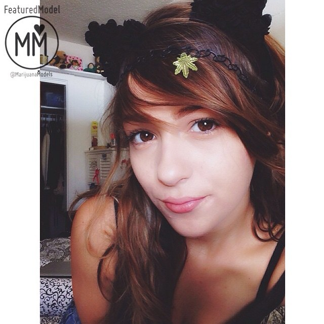 Ft Model @kittydankk is so darn cute Wearing her neon green weed leaf choker as a headband 🌍️FREE US shipping!  Check out our other stoner goodies at: ️SHOP.KUSHCOMMON.COM