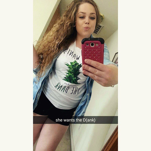 ️Ft Model @amilijuana rocking her //she wants the dANK// tee  Tag us in your & apparel so we can feature you!️ Link in bio to shop! 💭Heading to the printer in an hour so get your last minute orders in!