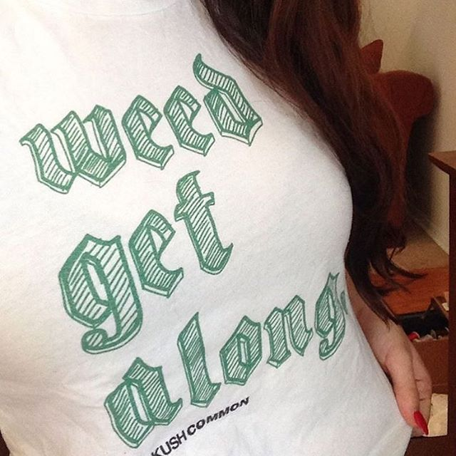 Agreed😀 @maryjaneinmybrain rockin our Weed Get Along tee!  Available in our shop! www.shop.kushcommon.com
