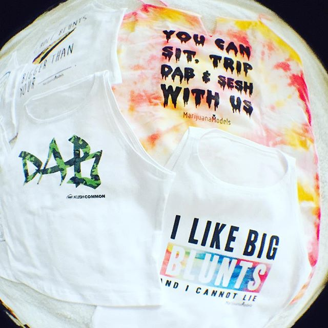 There's a $13 Dab Camo crop available in our sale section! Adding a bunch of new dimebags this week. Keep an  out
